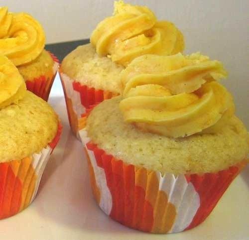 Inverse Carrot Cake Cupcake