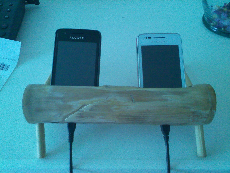 Base De Bambú Para 2 Celulares. Bamboo Base for Two Phone Cell.