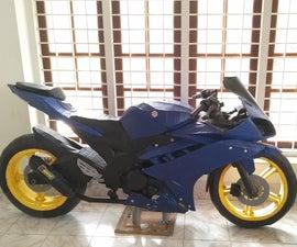 Yamaha R15 Bike Lifesize Model Made Entirely Out of Cardboard