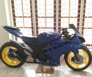 Yamaha R15自行车LifeSize模型完全从纸板上完成