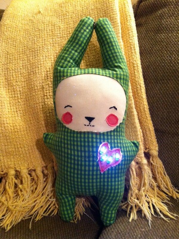 Lilypad Arduino Light-up Critter