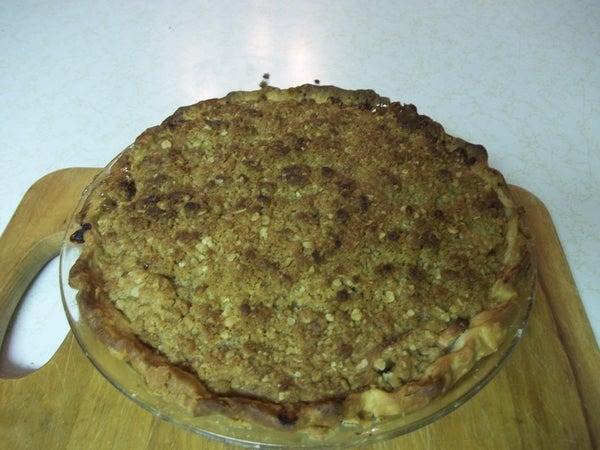 Tasty Crumb Top Apple Pie