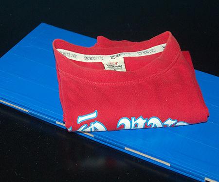 Make a T-shirt Folder