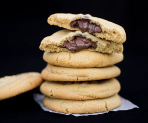 How to Make Nutella Stuffed Peanut Butter Cookies