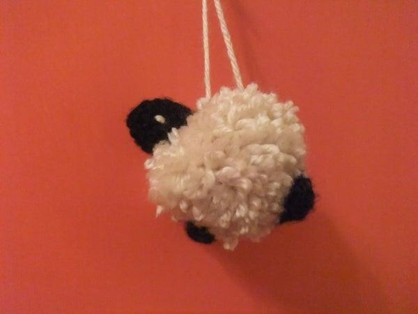 Floofy Pom-Pom Sheep