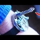 Simple magnet wristlet