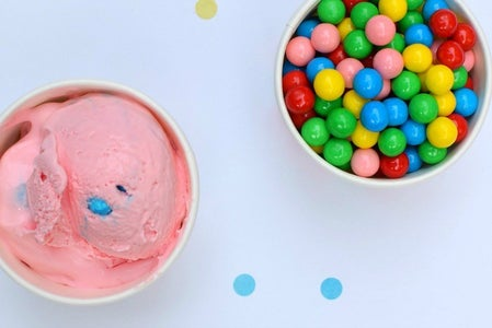 How to Make Bubble Gum Ice Cream