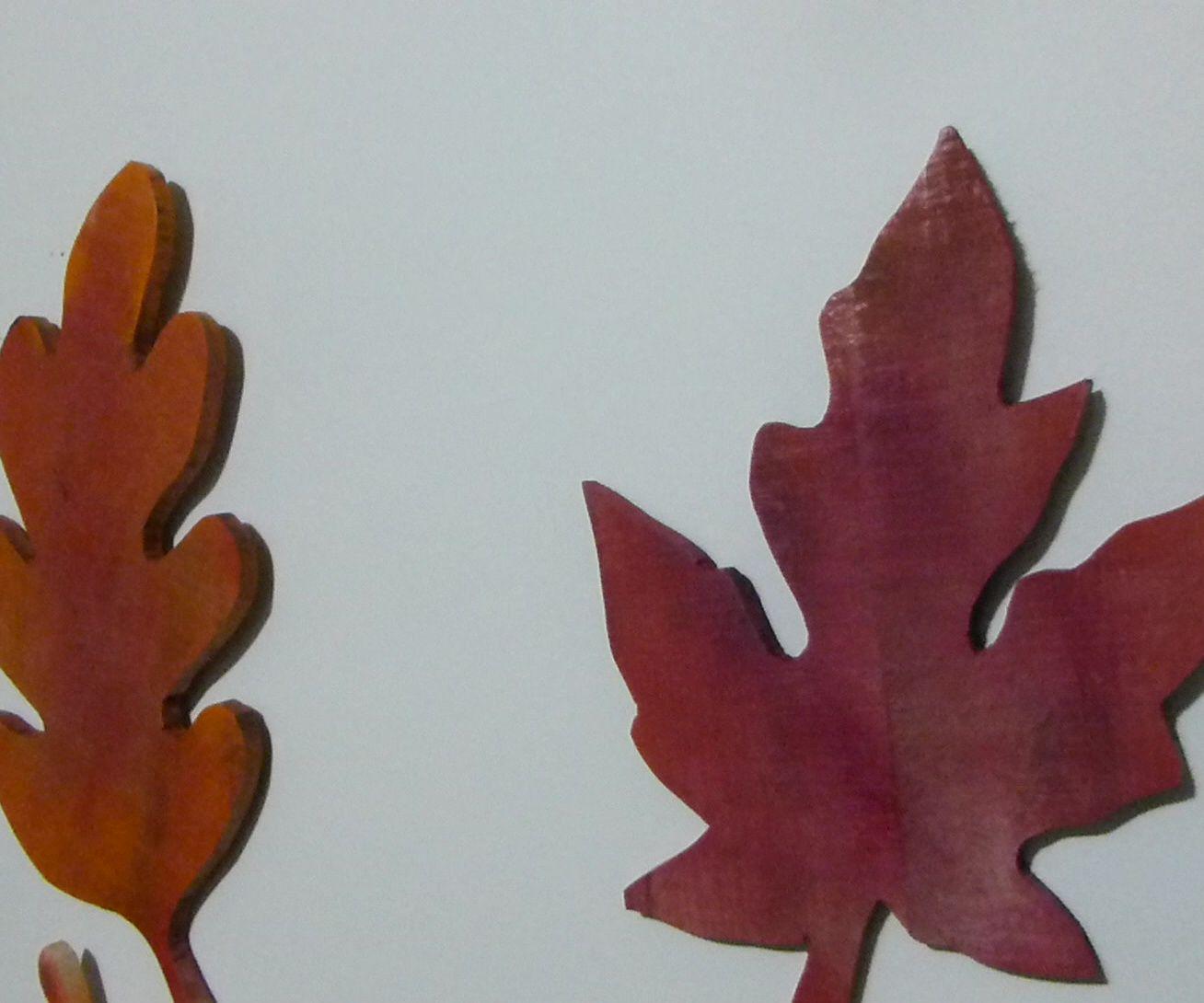 DIY Simple Fall Pallet Leaves