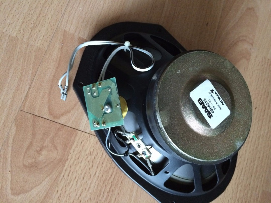 How to Build Car Bass Speakers in Home Stereo Speakerboxes