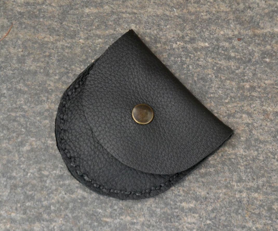 SIMPLE LEATHER COIN WALLET