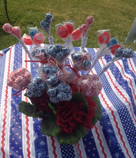 4th of July Patriotic Centerpiece With Patriotic Candy