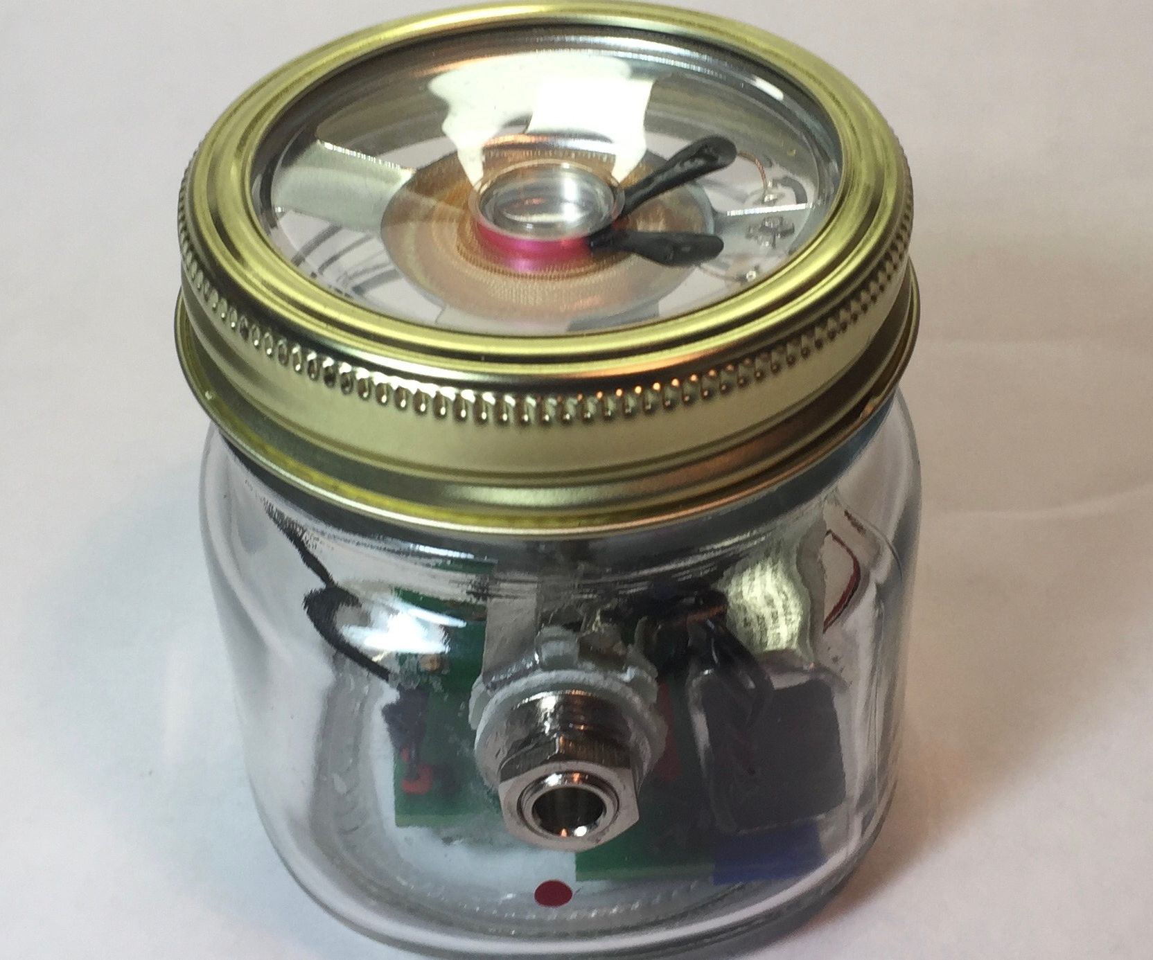 DIY Jelly Jar Guitar Amplifier : The North Georgia Jelly Amp