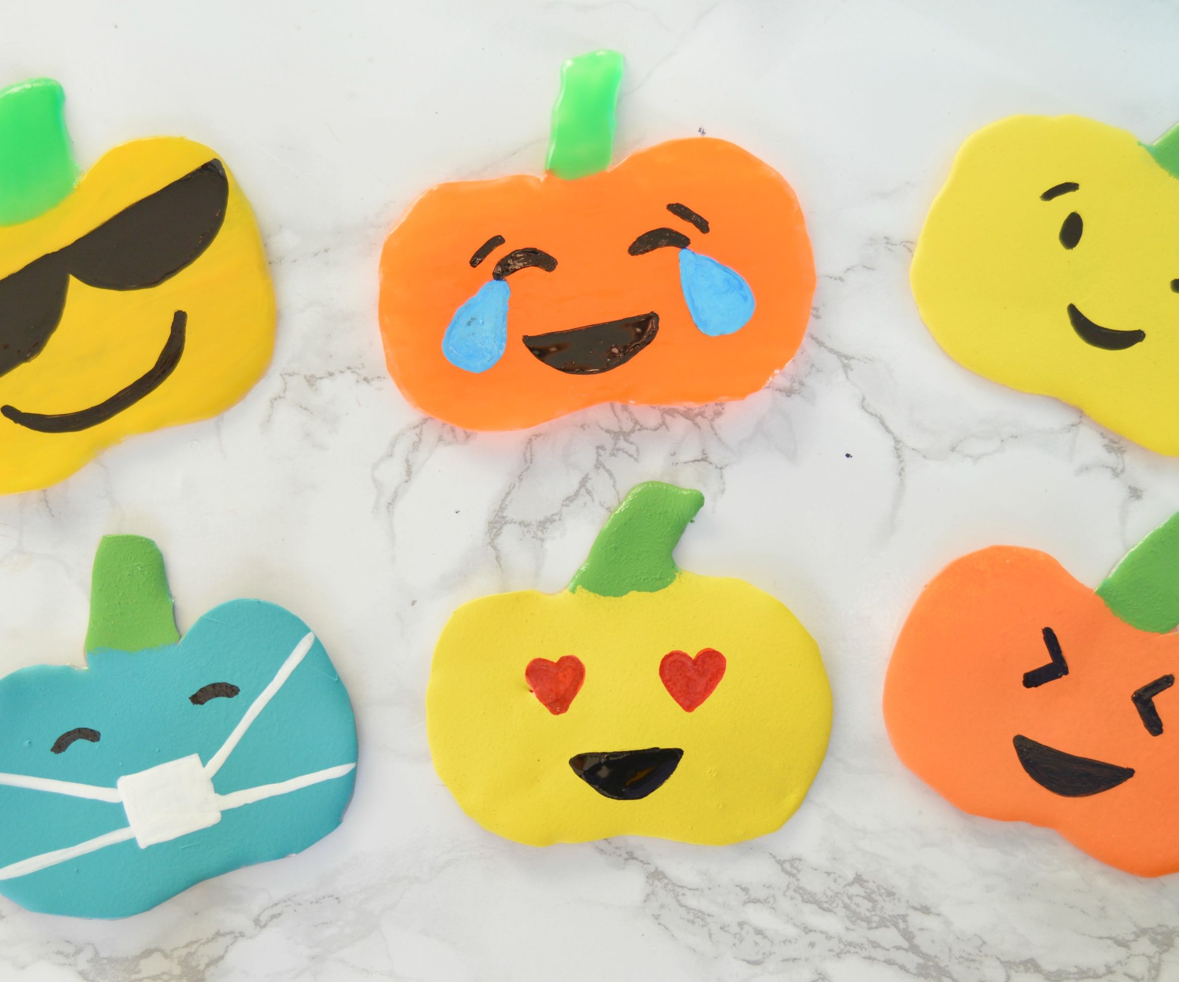 DIY Emoji Pumpkins Window Clings