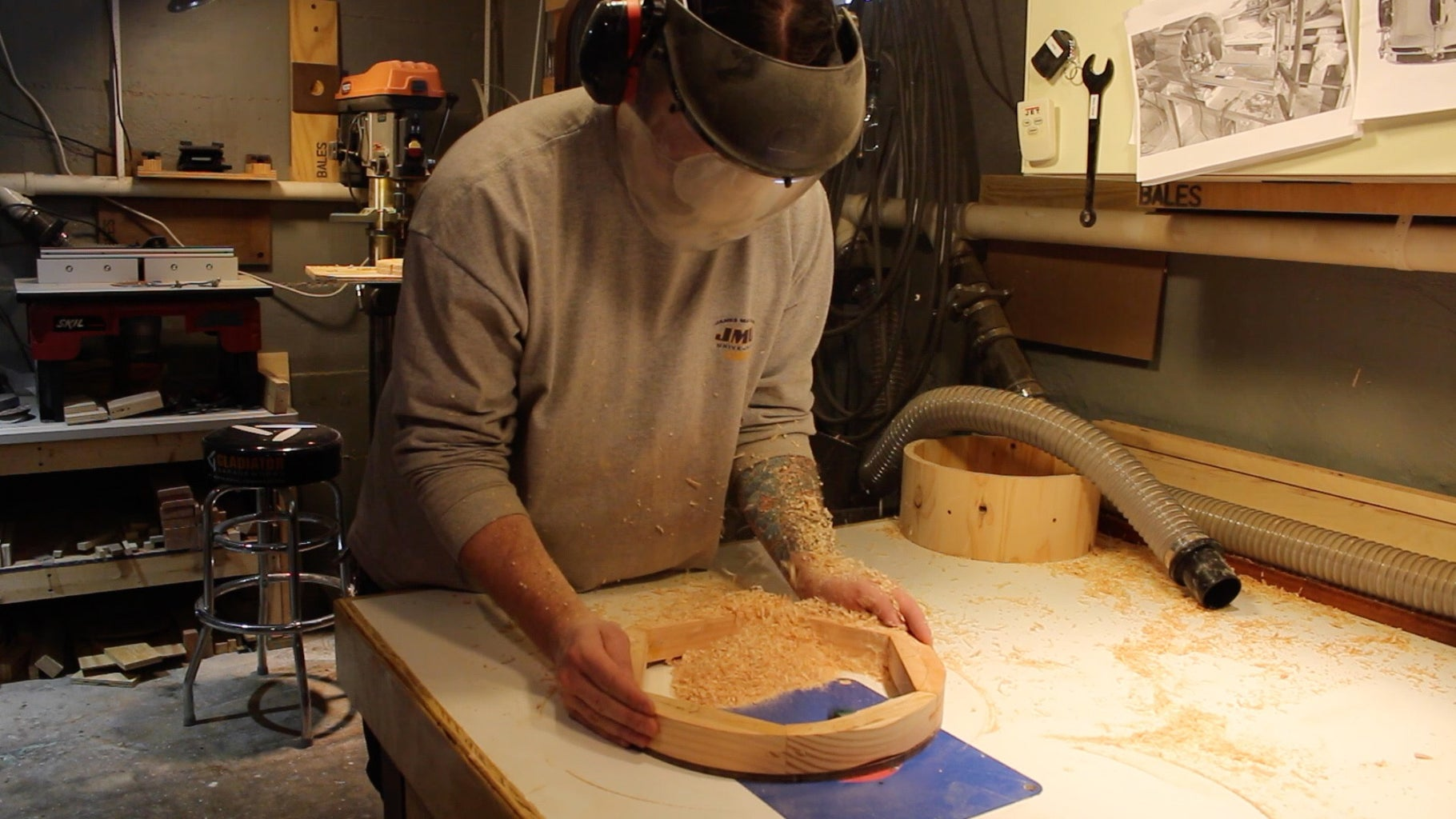 Gluing and Shaping the Hoops