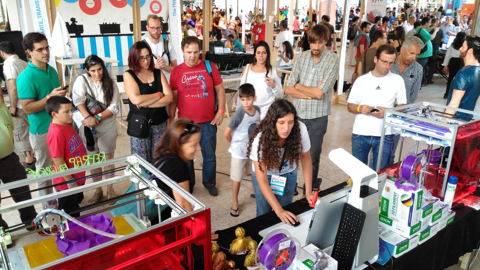 Vulcanus Max 30 and MAX40 at the Lisbon Maker Faire  2015