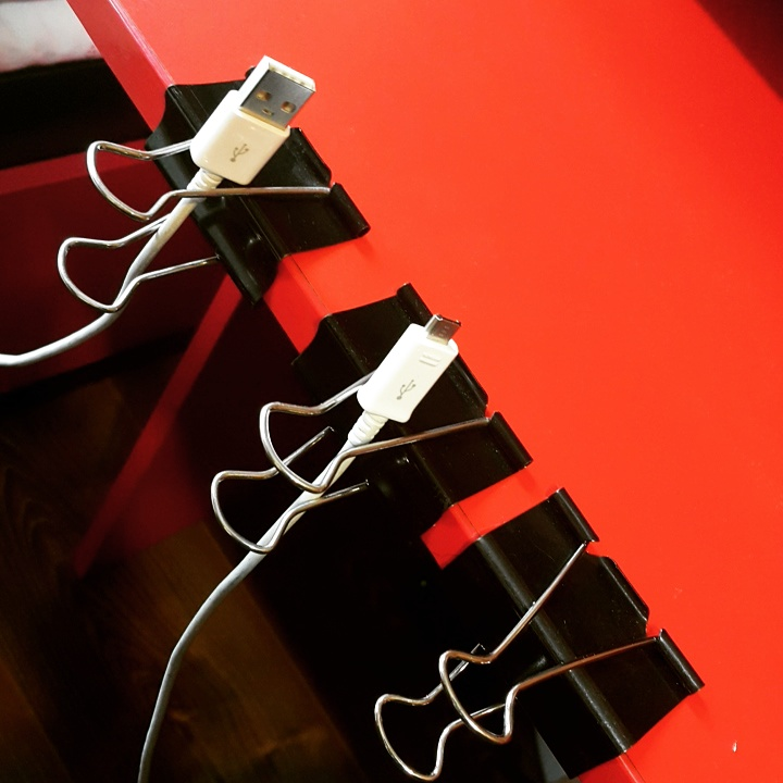 the most simple USB cable manager ever!