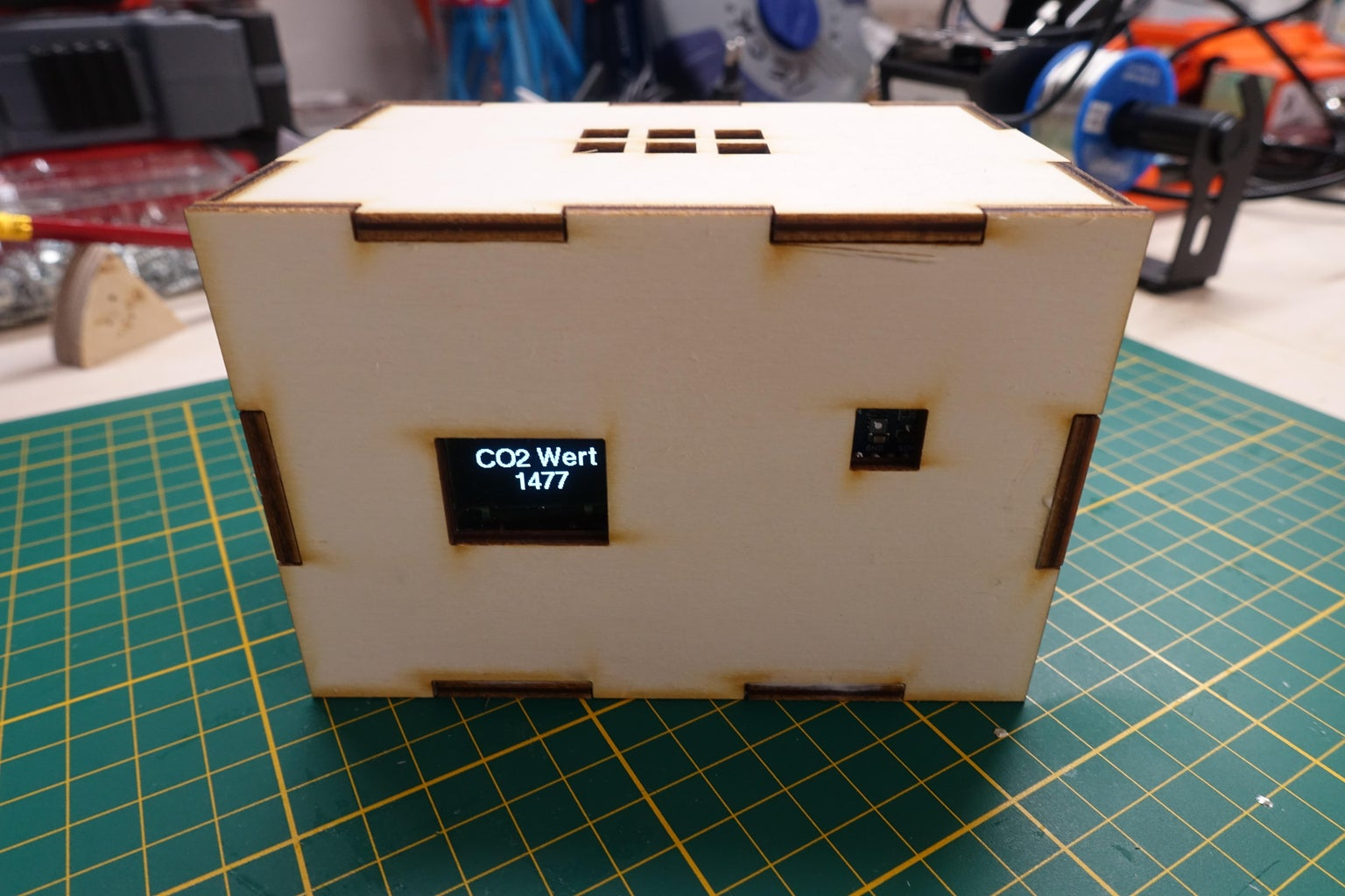 Plug & Play CO2 Sensor Display With NodeMCU/ESP8266 for Schools, Kindergardens or Your Home