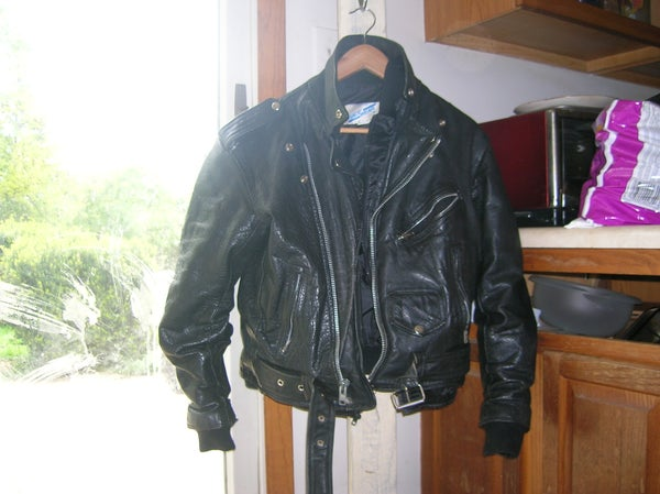 How to Repair a Leather Jacket by Hand