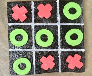 TIC-TAC-TOE GAME BUILD FROM PAPER MACHE