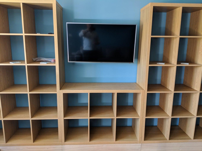 Cutting the 'landscape' Bookshelf to Shape