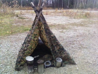 Shoelaces Survival Shelter