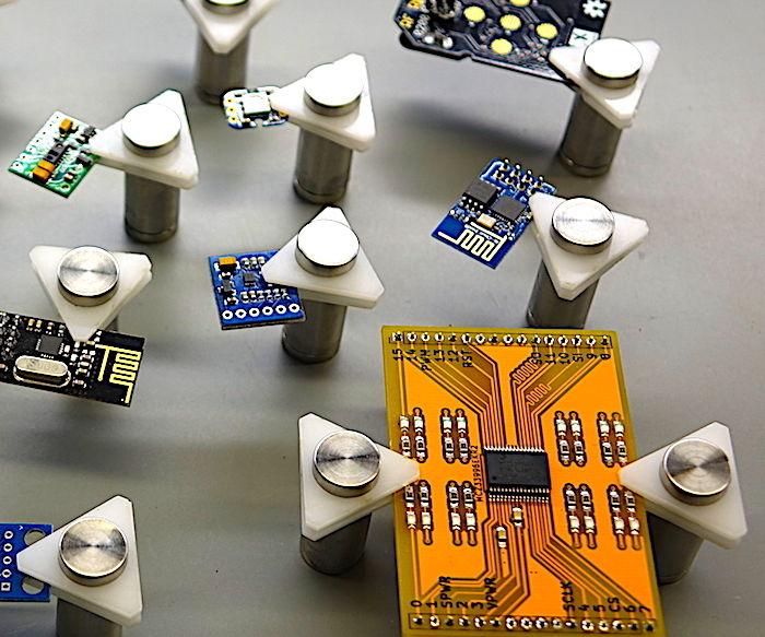 Mini Magnetic PCB Vises