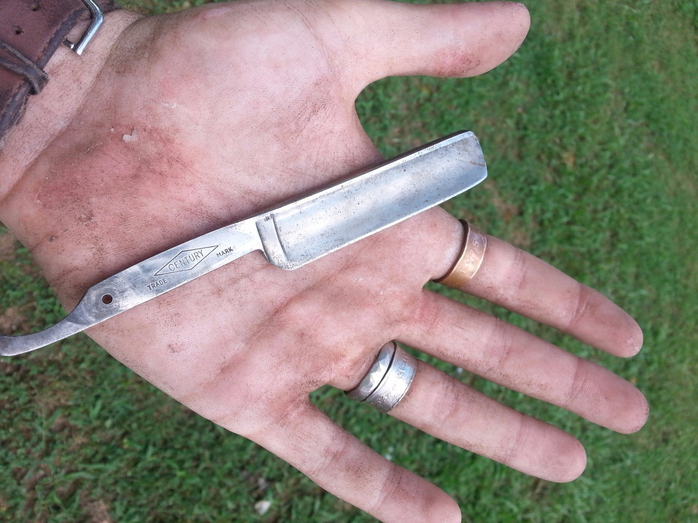 How to Make a Wooden Handle for a Straight Razor
