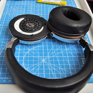 Screwing and Put on the Ear Pad