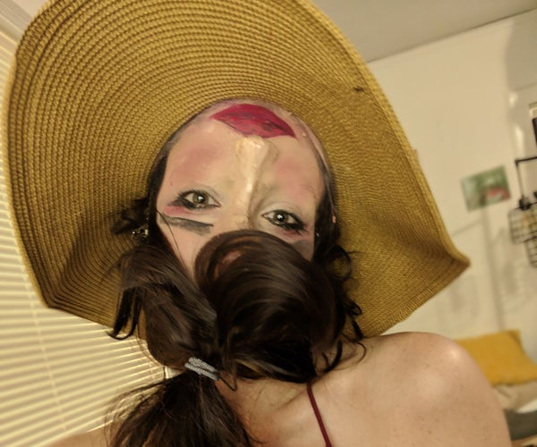 Step-by-Step on How to Do an Upside-down Halloween Face