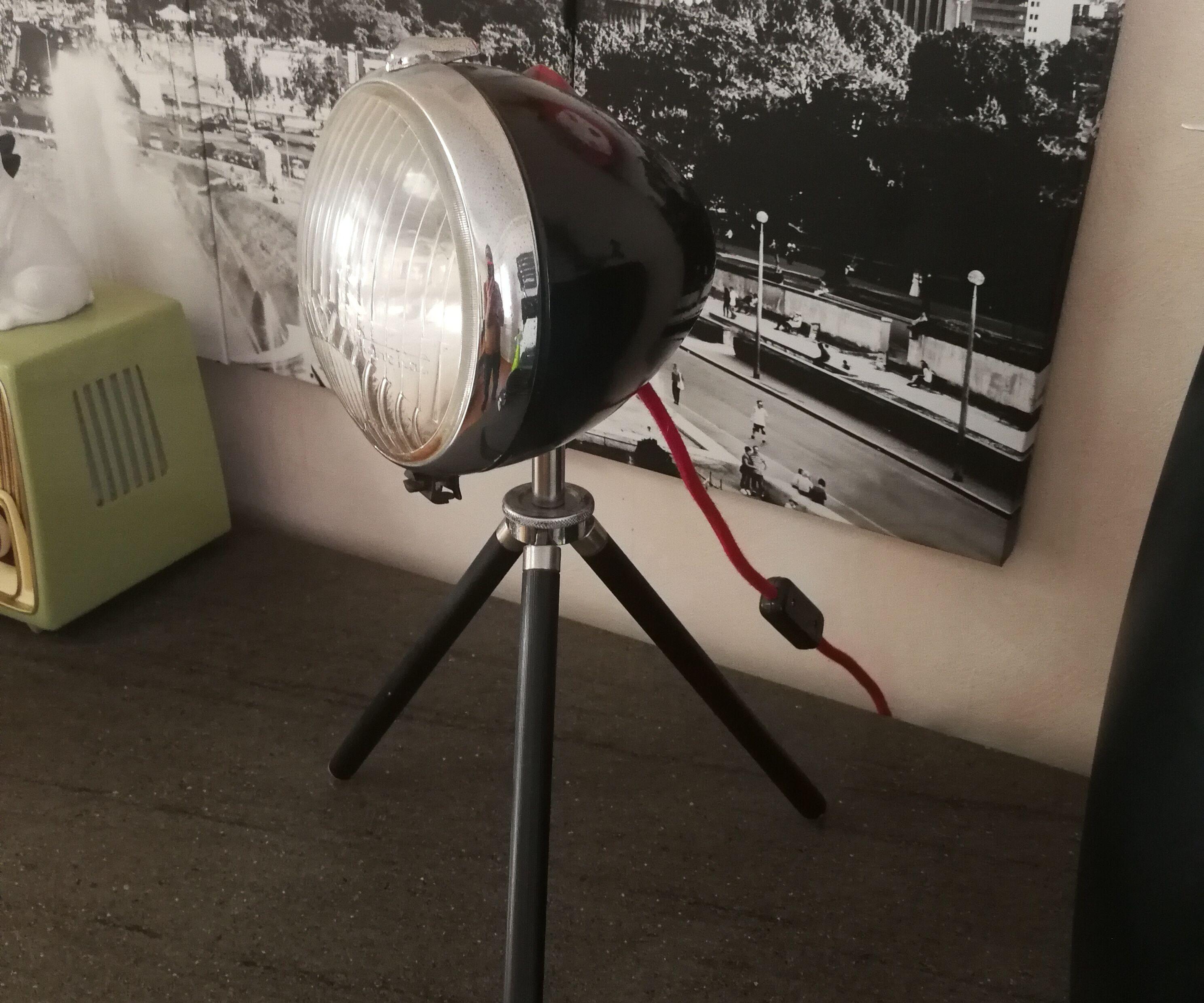 Lampe Trépied Tactile