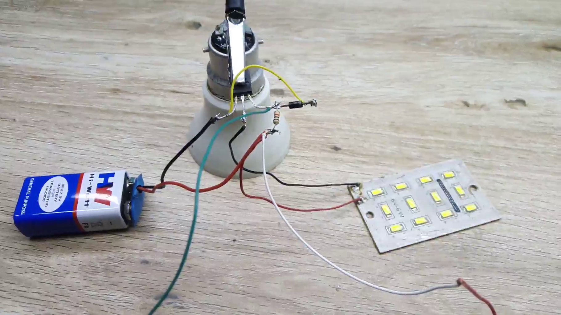 HOW TO MAKE a CIRCUIT OF AUTOMATIC EMERGENCY LIGHT