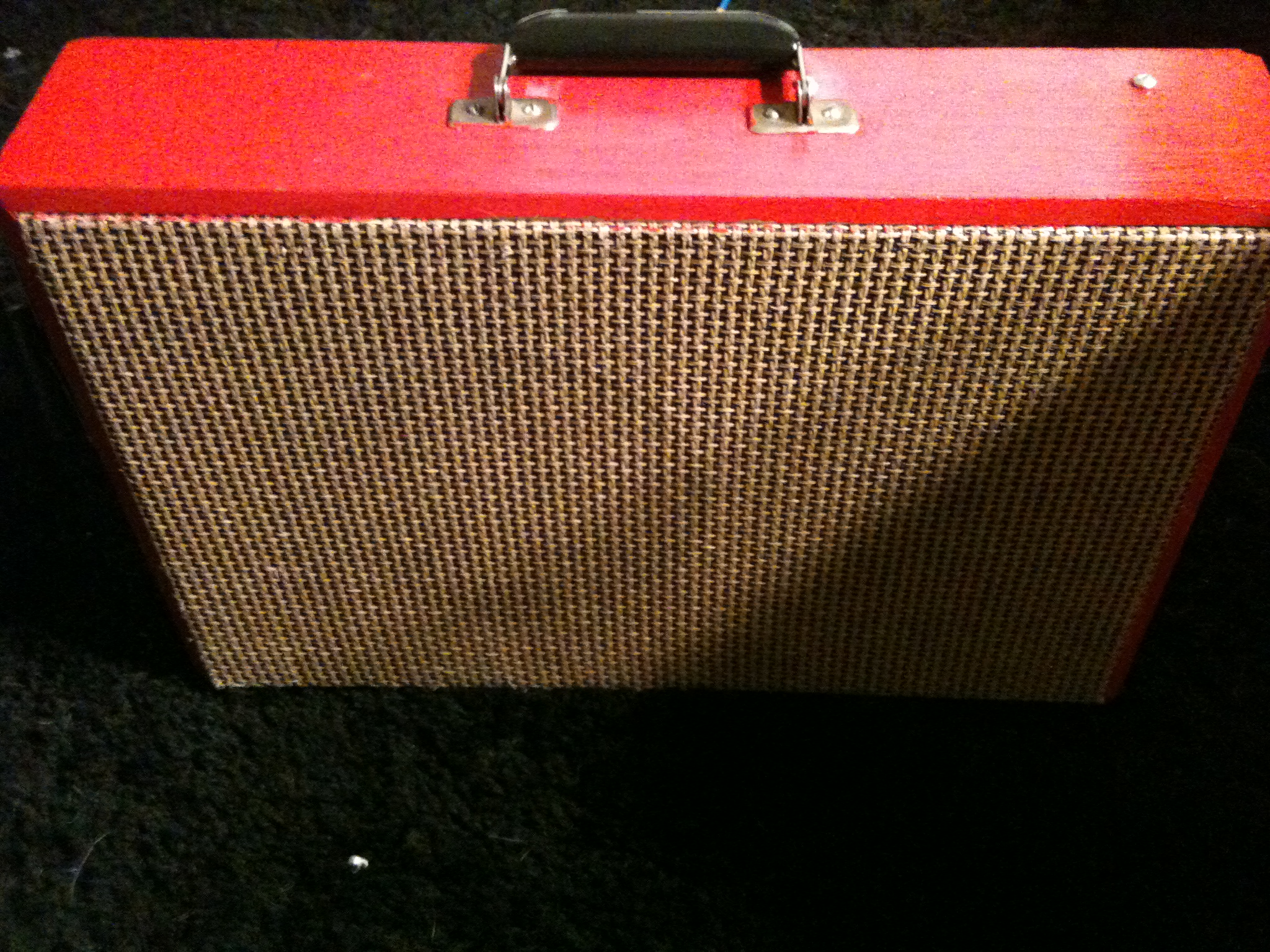 Vintage Styled Suitcase Amp