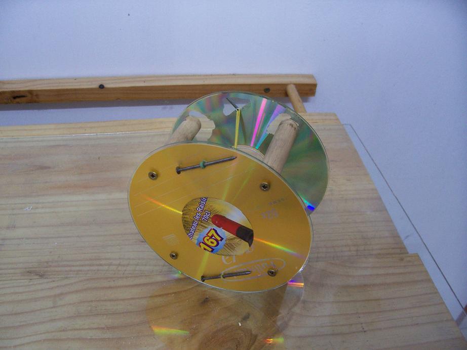Returning CD-ROM wheel