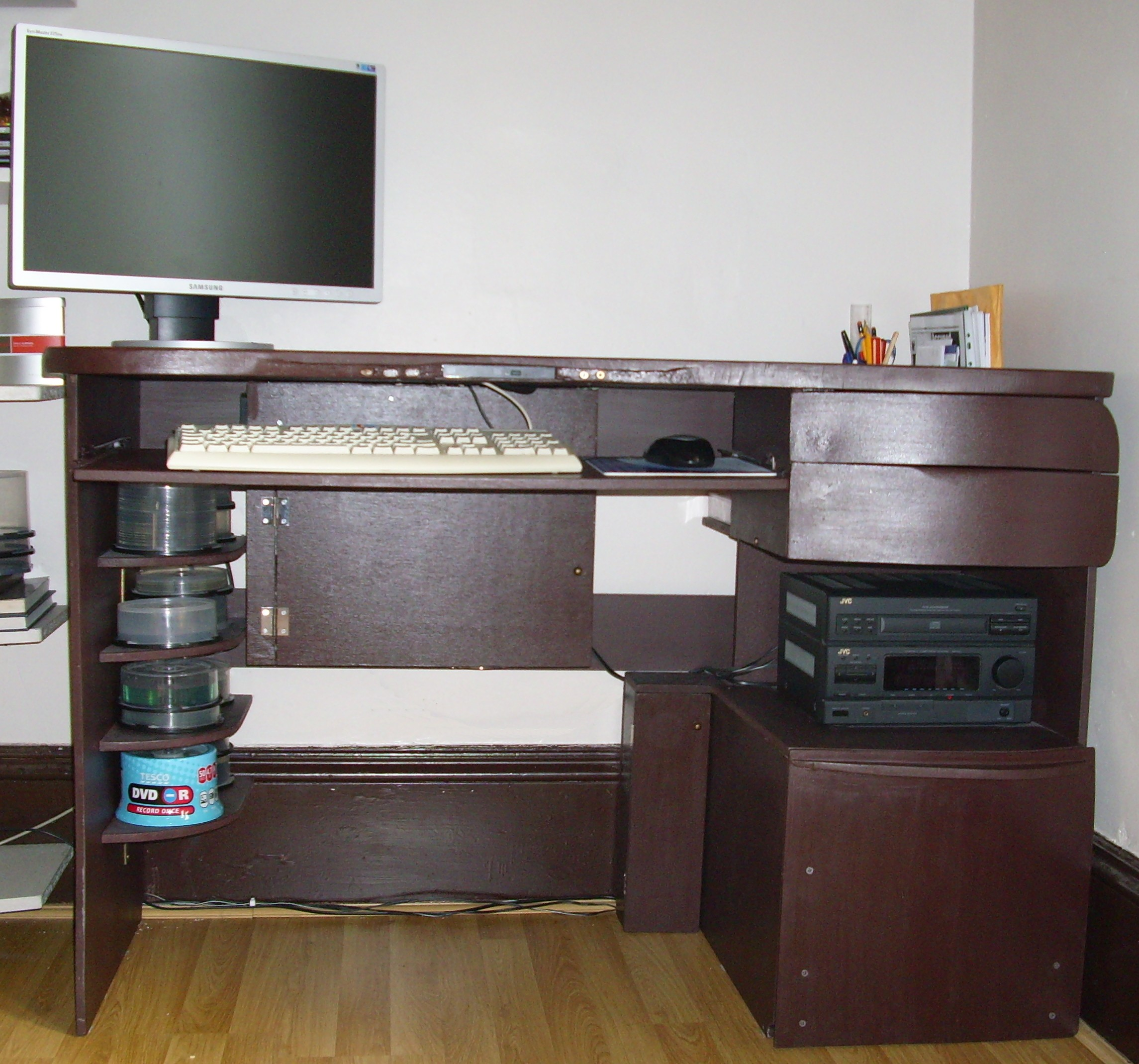 Fancy and functional desk with an in-built PC