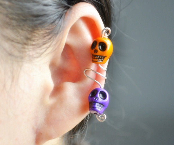 Make Wire Ear Cuff With Skull Beads for Halloween