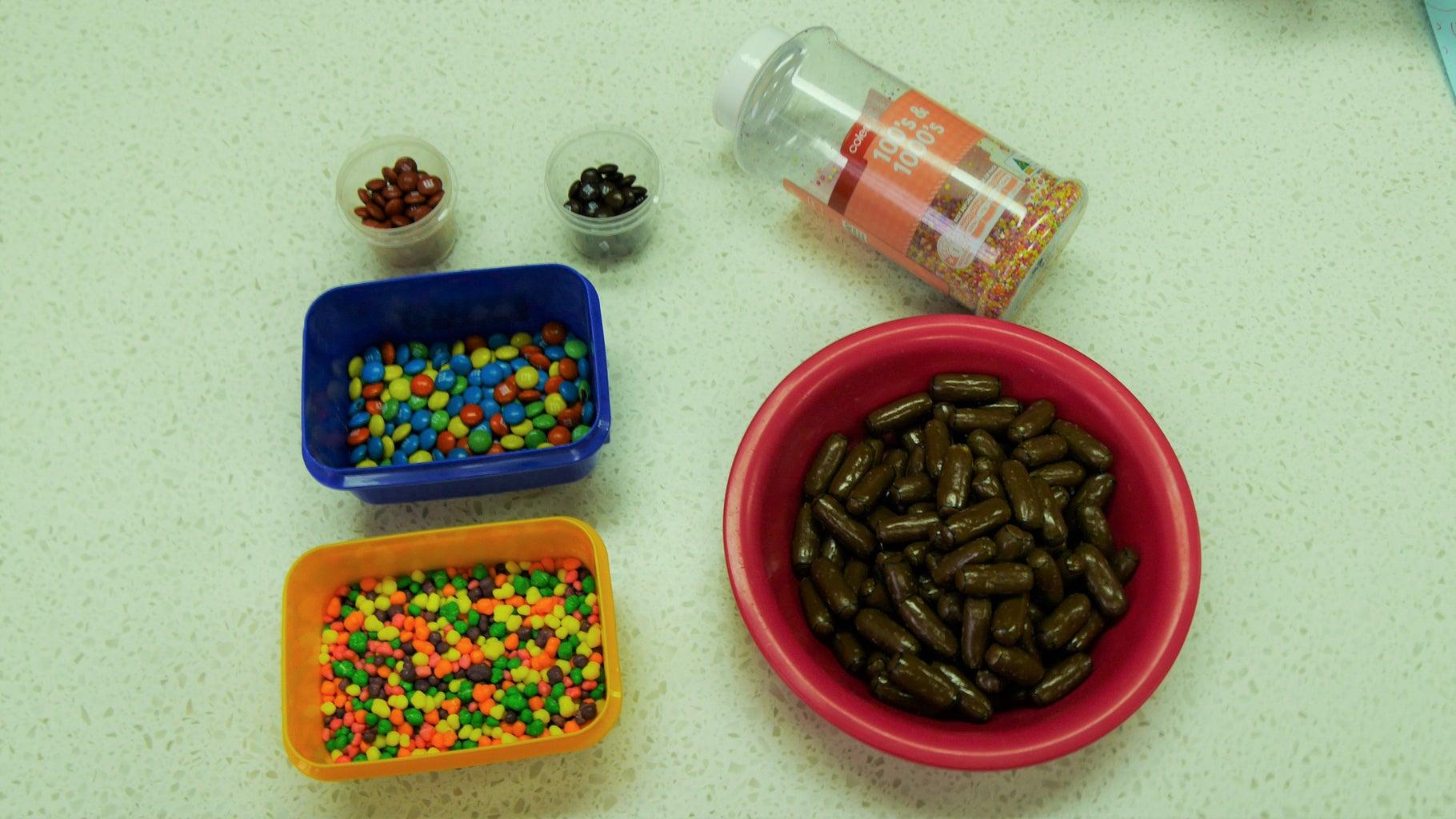 Materials & Ingredients: