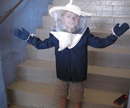 All-in-one Kid's Bee Jacket & Veil