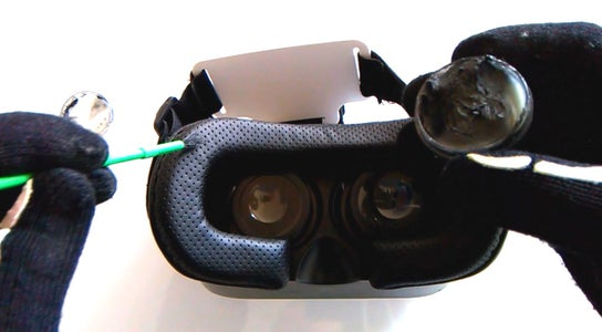 Prank Virtual Reality Glasses That Stain the Face