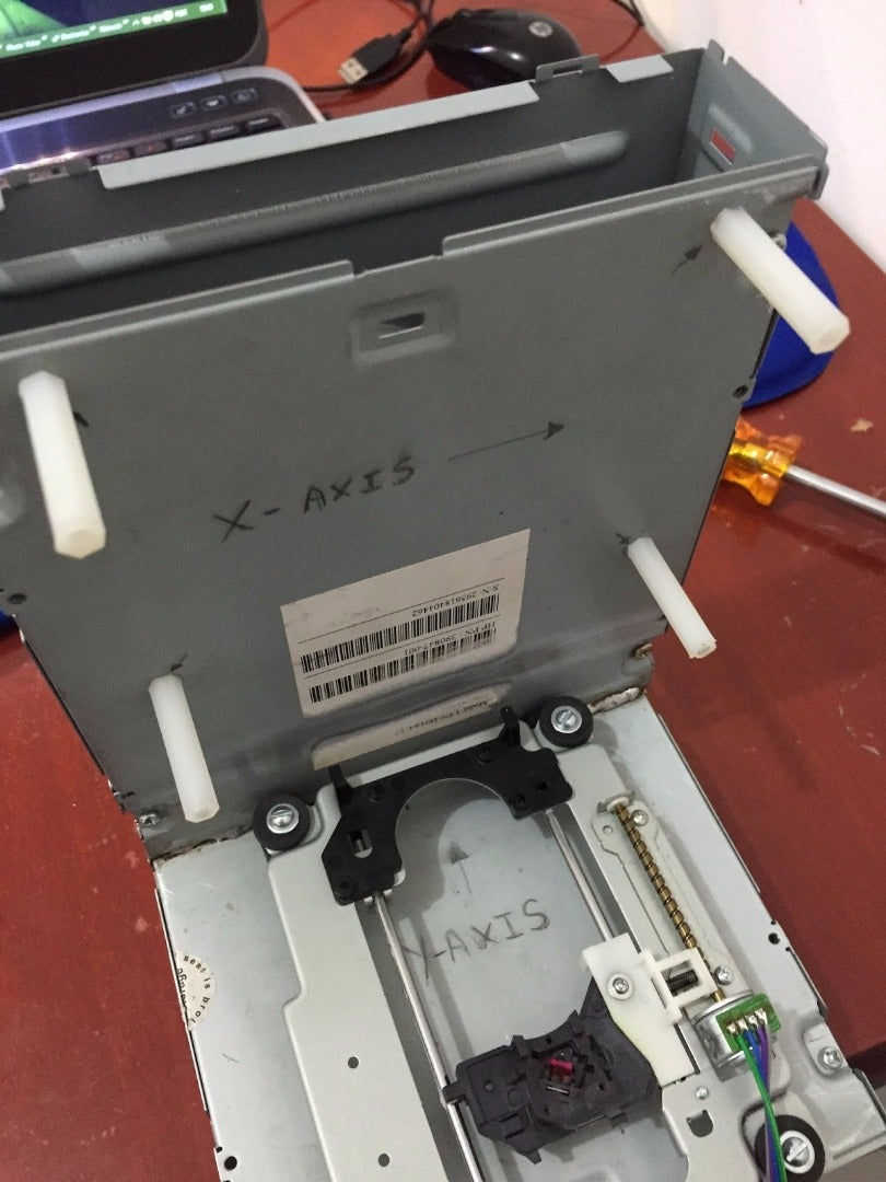 MOUNTING THE X-AXIS