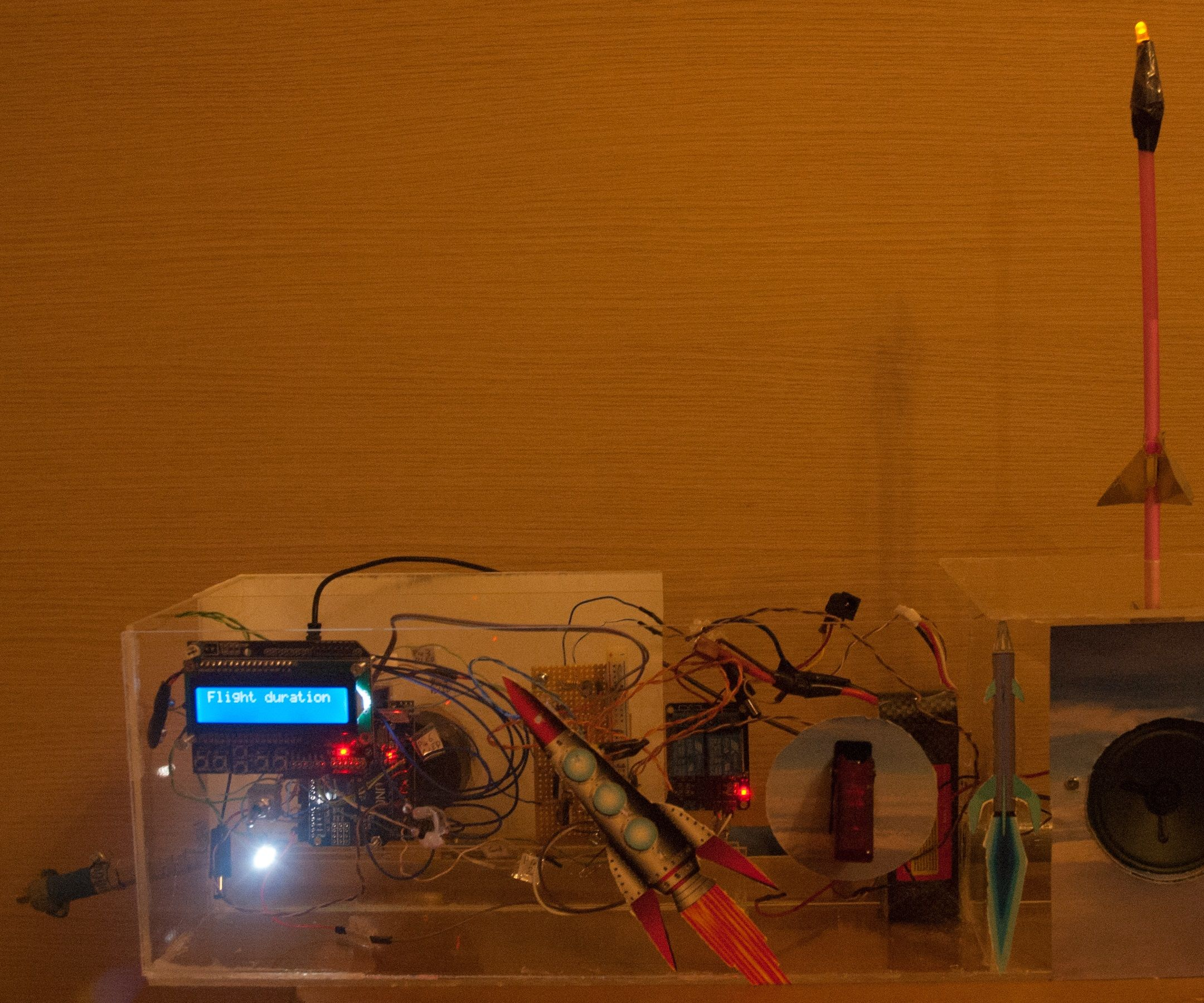 Launch Platform for Straw-rockets Controlled by Arduino