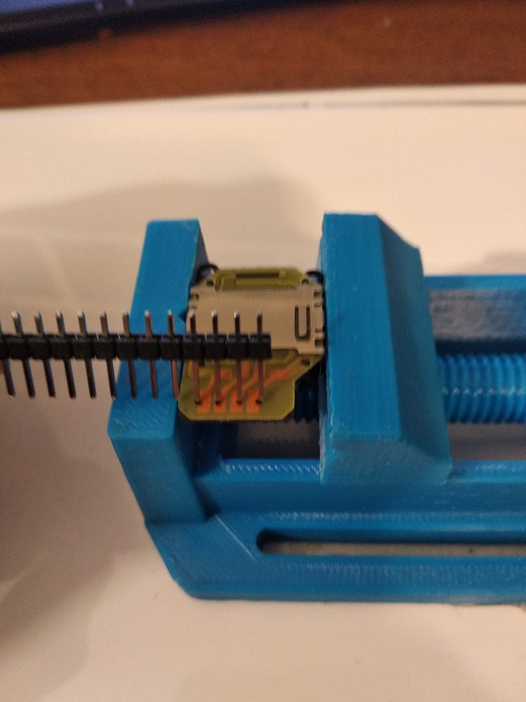 Prepare PSP 2000 Joystick (OPTIONAL)