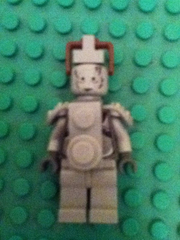 How to Build a Lego Cyberman