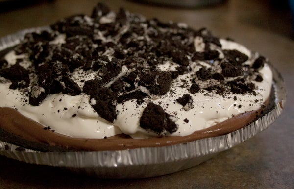 The Lazy College Kid: Chocolate Cream Oreo Pie