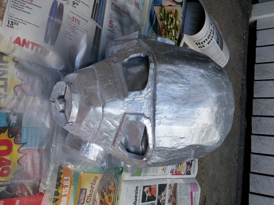 Sanding and Painting With Spray Paint
