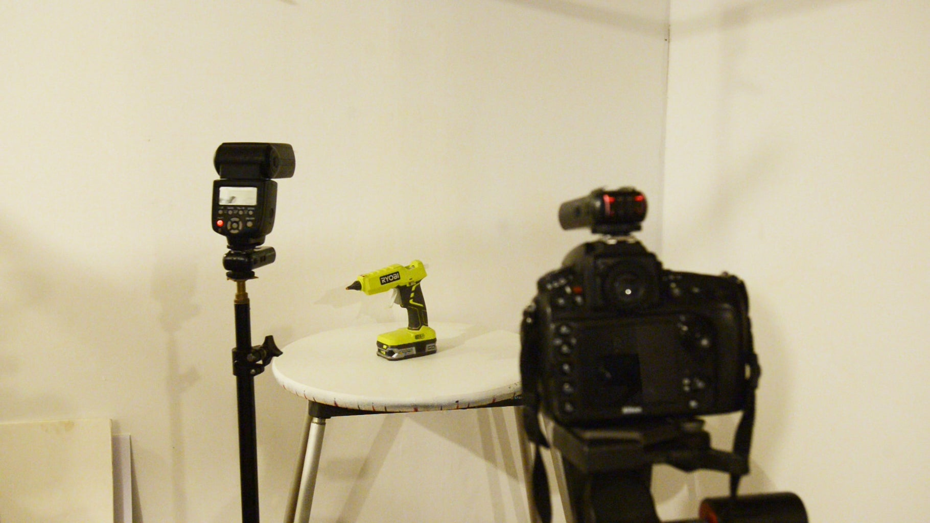 Light Only the Background (Primarily Used for 360 Product Photography)