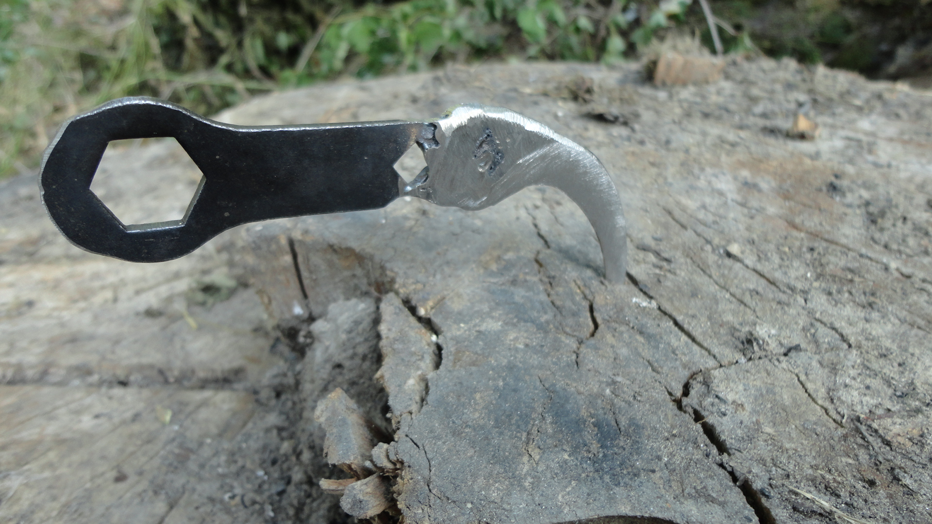 Karambit  Knife from a hand pruners + broken bicycle tool