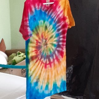 How To Tie Dye An Old White Shirt 14 Steps With Pictures Instructables