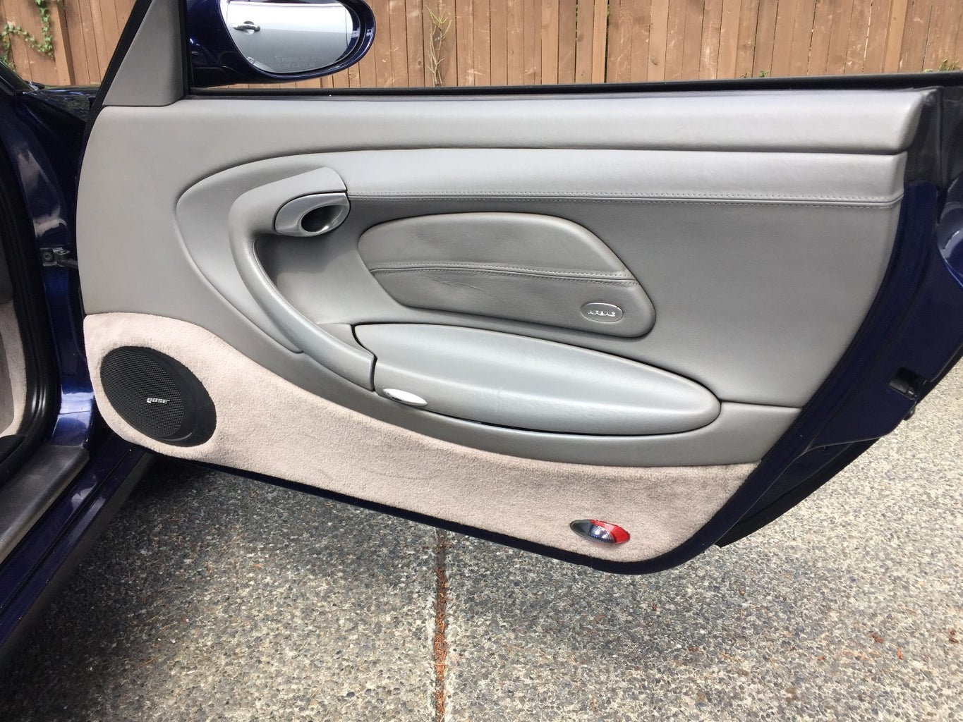 How to Remove the Door Panel From a Porsche 996