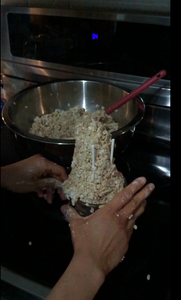 Form a Tube Shape With the Rice Krispies
