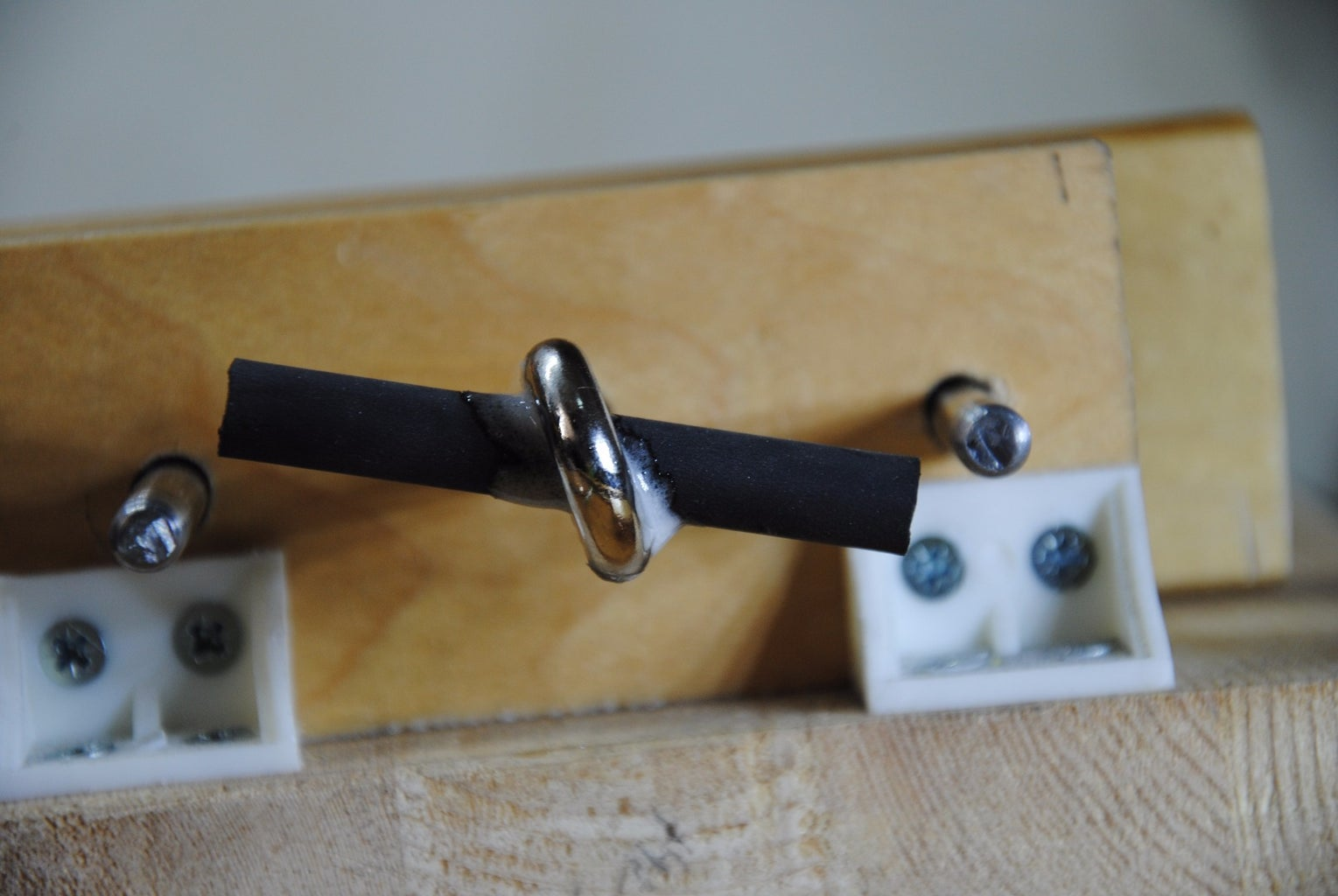 Cutting to Size & Attaching the Knob (Twist Handle)